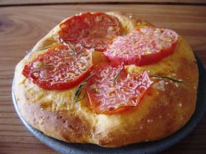 スーパーフルーツトマトのフォカッチャ